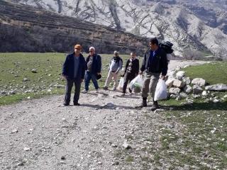 کوهنوردی جمعی از مسولان موسسه رهنما در ارتفاعات مال آقا
